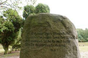 Heide_Spaziergang_Loensdenkmal_018